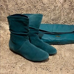 New Aldo turquoise suede boots